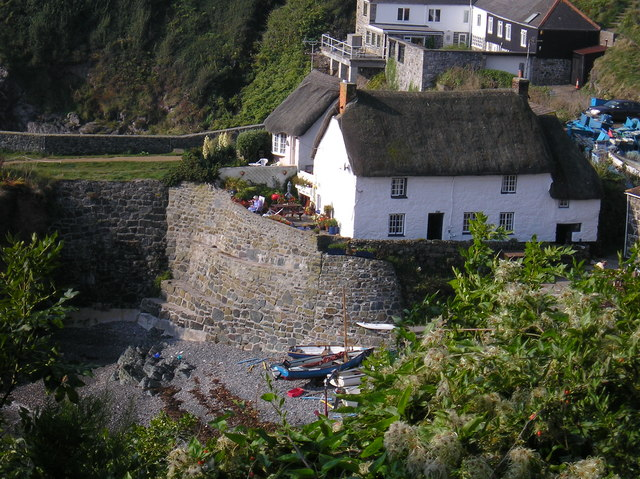 Exploring Holiday Accommodation Options in Cornwall